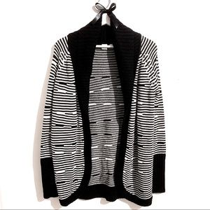 ✨HOST PICK✨💕 TWIK by Simons Black and White Long Open Cardigan